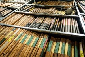 Benutzung des Landesarchivs und des vielfältigen Quellenmaterials